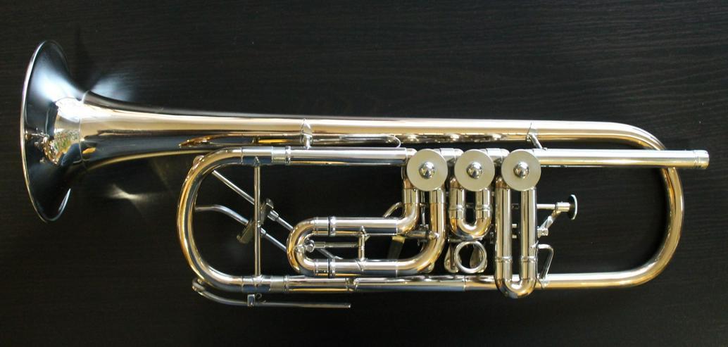 Bild 5: Profiklasse Konzert - Trompete A. Wolfram Markneukirchen, Goldmessing mit 2 Überblasklappen