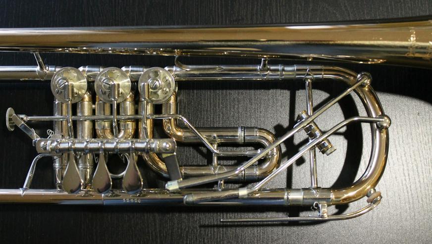 Bild 2: Profiklasse Konzert - Trompete A. Wolfram Markneukirchen, Goldmessing mit 2 Überblasklappen