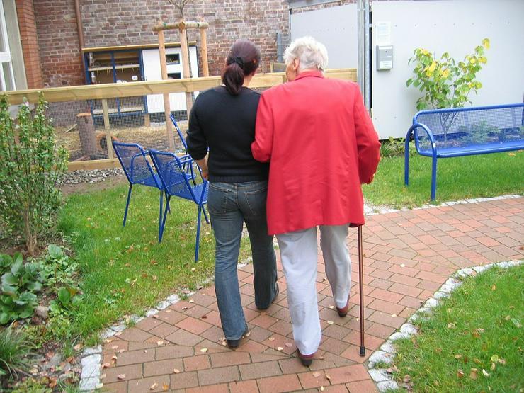 stundenweise Alltagsbegleitung über die Pflegekasse in und um Leverkusen - Pflege & Betreuung - Bild 1