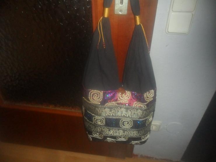 Schwarze orientalische Tasche  mit Palietten