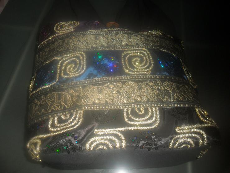 Bild 3: Schwarze orientalische Tasche  mit Palietten