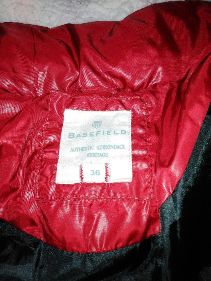 Bild 4: Winterjacke_Basefield_36_rot
