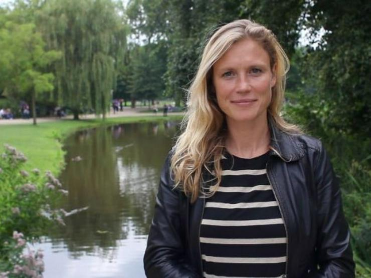 blonde 45jährige sucht Partner für Zweisamkeit
