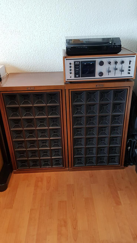 AKAI AA-8500 Receiver / Tuner Stereoanlage mit 2 x 120 Watt Boxen zu verkaufen
