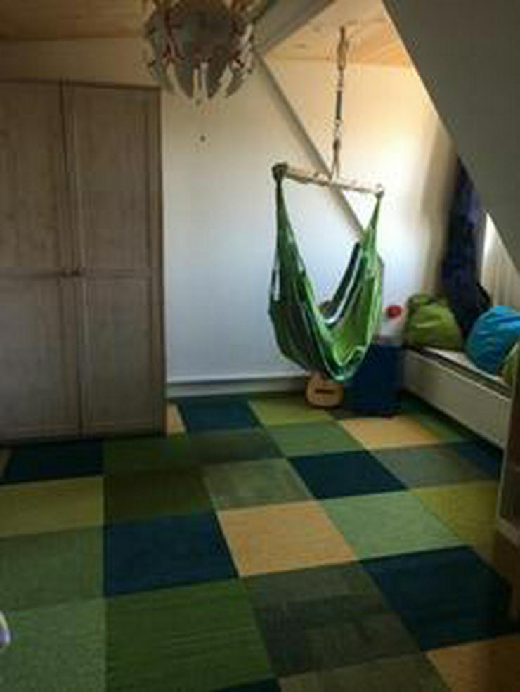 Bild 4: Neuer Trend! Shades of Green Teppichfliesen von Interface