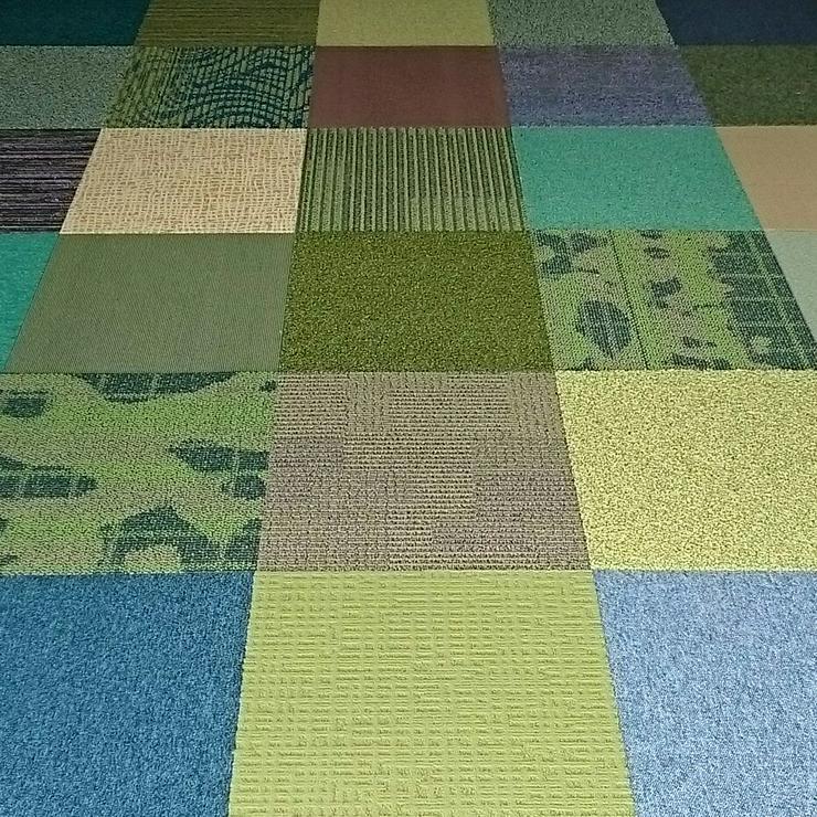 Neuer Trend! Shades of Green Teppichfliesen von Interface