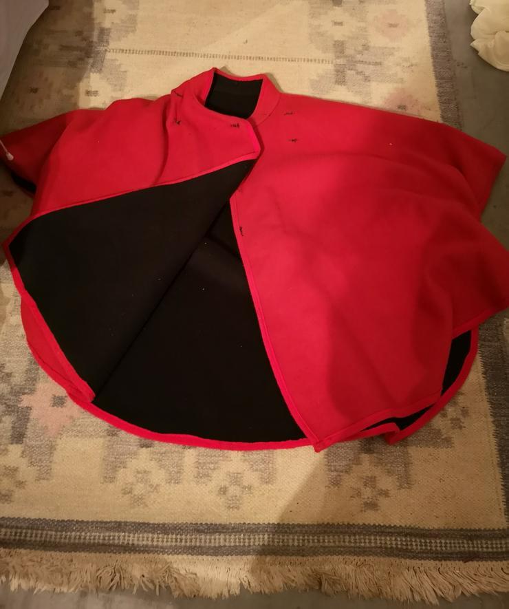 Rot - schwarzer Wendeponcho  - Größen 36-38 / S - Bild 1