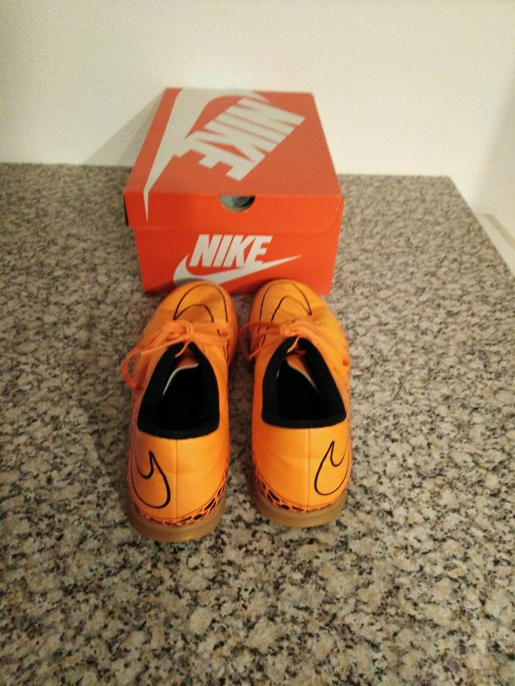 Bild 2: Nike_47,5_Halle
