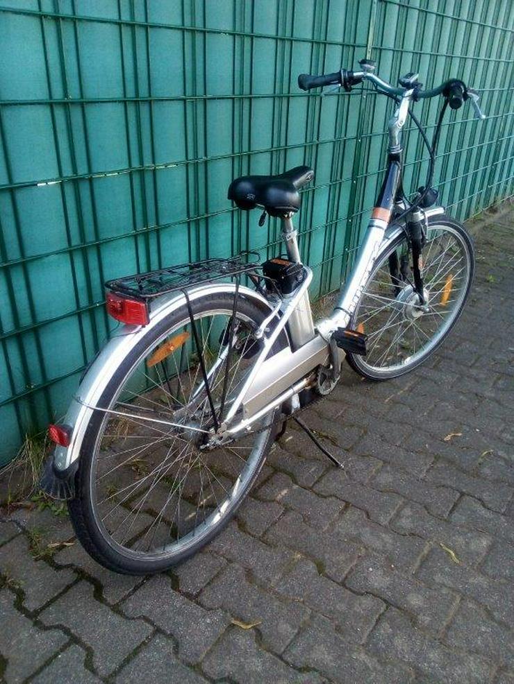 Bild 2: E-Bike ( Allu – Rex ) 28 zoll, 3Gang , 24 Volt Akku , Leistung crk 30 km . Keine Treterleichterung ,sondern mit Motorantrieb.