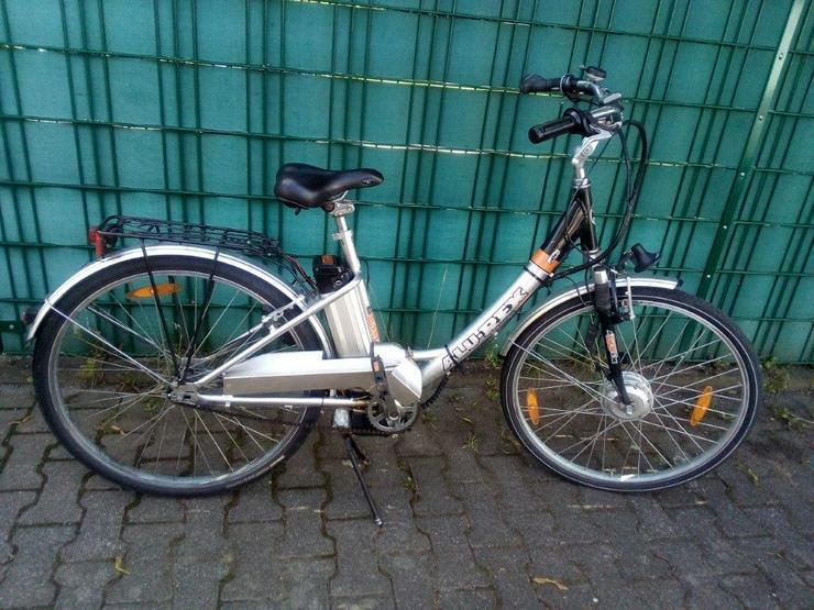 E-Bike ( Allu – Rex ) 28 zoll, 3Gang , 24 Volt Akku , Leistung crk 30 km . Keine Treterleichterung ,sondern mit Motorantrieb.