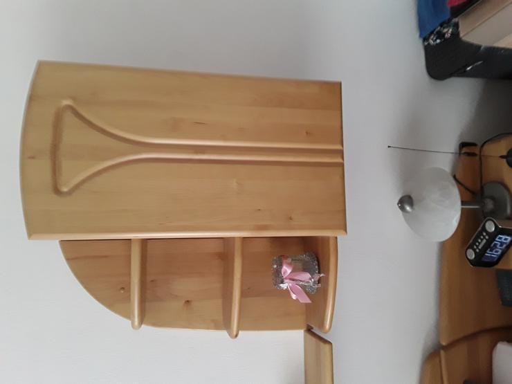 Bild 4: Schlafzimmer ohne  Matratze und Lattenrost