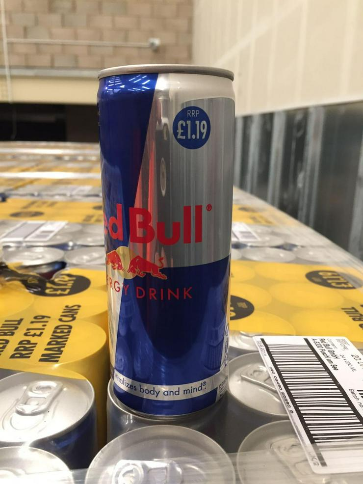 Bild 2: Red Bull Energy Drink zum Verkauf
