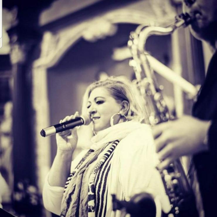 Yasmin Reese / Sängerin & Moderatorin