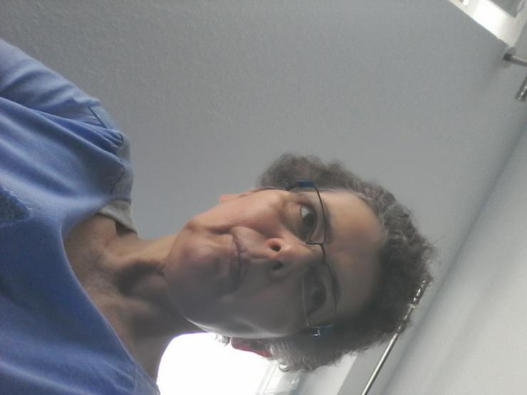 Sie, 53 sucht Zweizimmerwohnung in Neuss