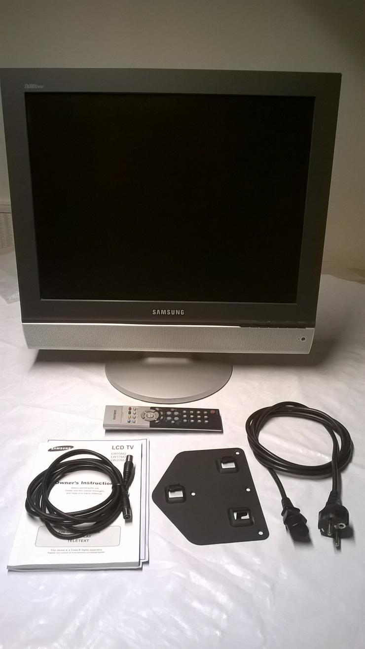 """Samsung Fernseher 51 cm ( 20"""" ) zu verkaufen"""