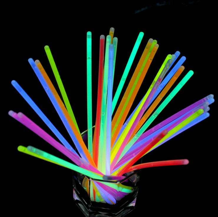 Bild 3: 100 Premium Knicklichter Party Set Armbänder Pack Glow Sticks Leuchtstäbe hell