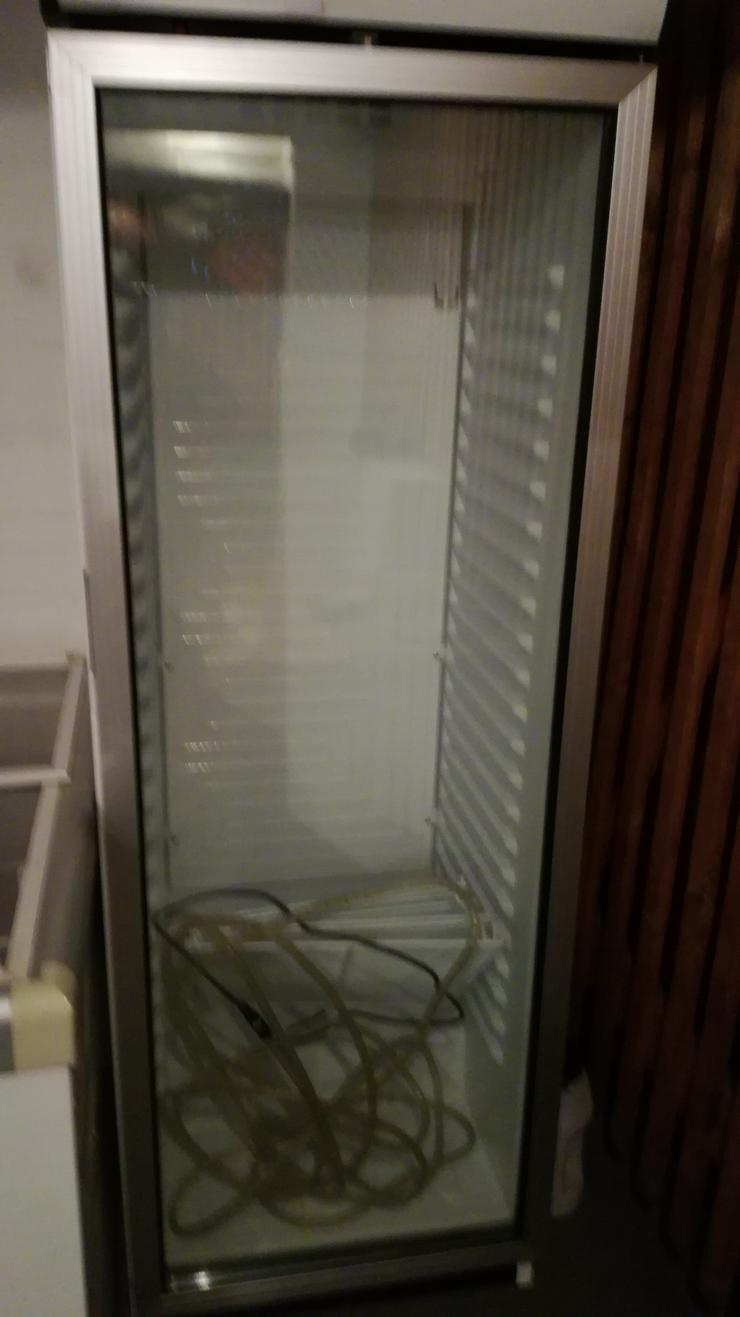 Kühlschrank hoch wie abgebildet