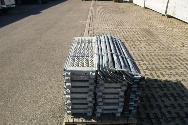 Bild 3: Layher Gerüst Geländer Stahlboden Bordbrett Stahlböden 1,09m