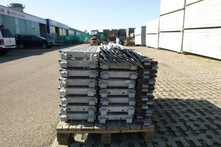 Bild 2: Layher Gerüst Geländer Stahlboden Bordbrett Stahlböden 1,09m