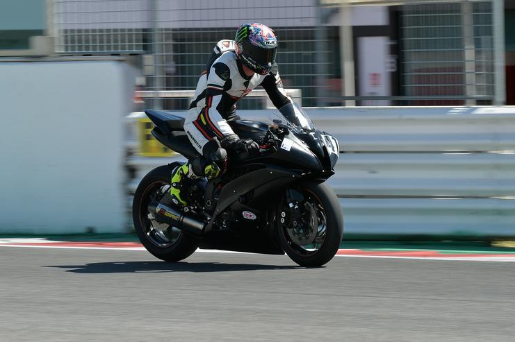 Bild 4: Yamaha R6 für Rennstrecke