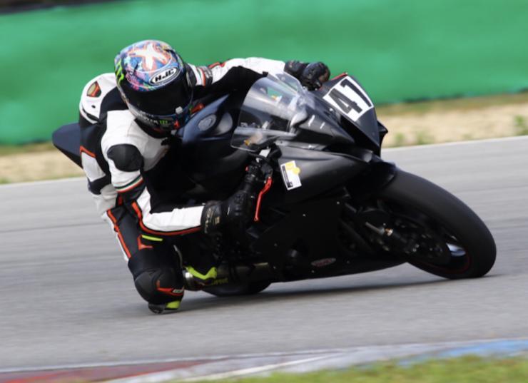 Bild 1: Yamaha R6 für Rennstrecke