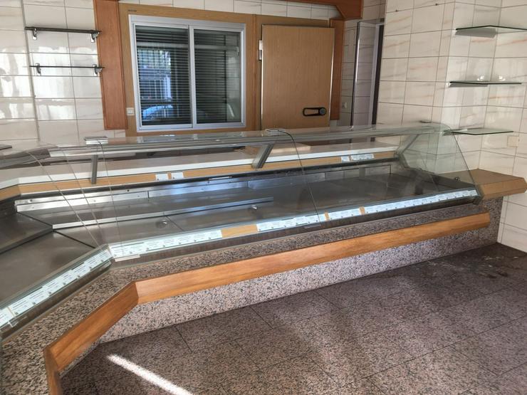 Bild 6: Metzgerei Kühltheke mit Zubehör