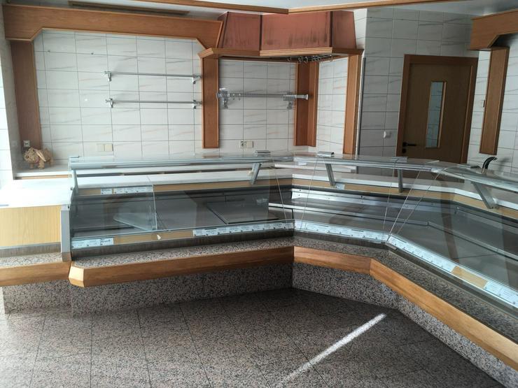 Bild 5: Metzgerei Kühltheke mit Zubehör