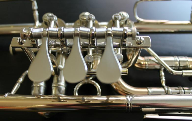 Bild 4: Deutsche C - Konzert - Trompete, Goldmessing + Tonausgleich