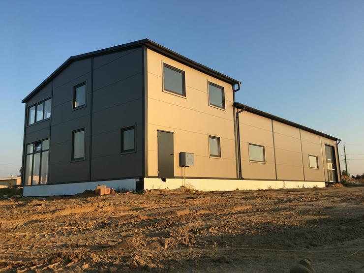 Bild 2: Stahlhalle Lagerhalle Gewerbehalle Werkstatthalle mit Beuro-/Wohnbereich 27m x 12m