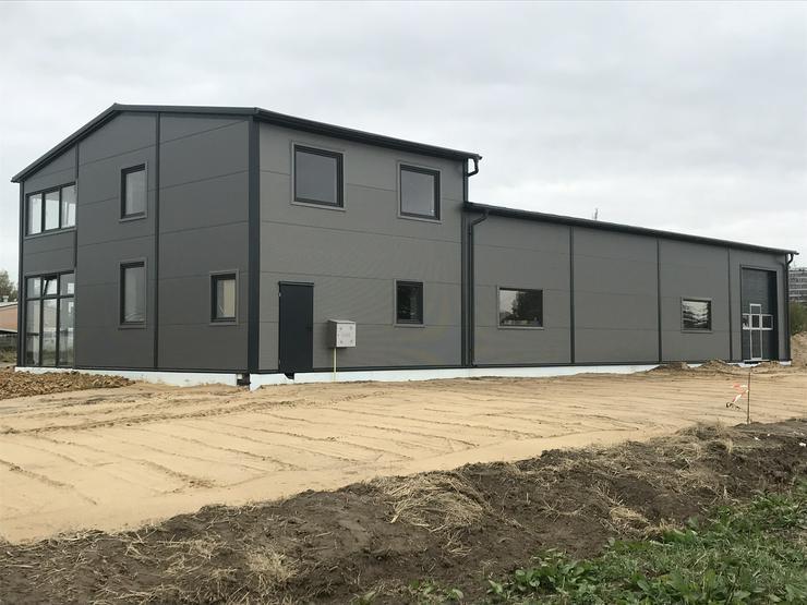 Bild 5: Stahlhalle Lagerhalle Gewerbehalle Werkstatthalle mit Beuro-/Wohnbereich 27m x 12m