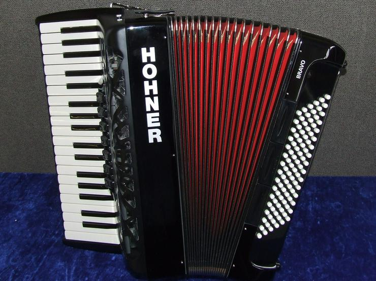 Hohner Akkordeon Bravo III 96 Silent Key schwarz NEU !!!