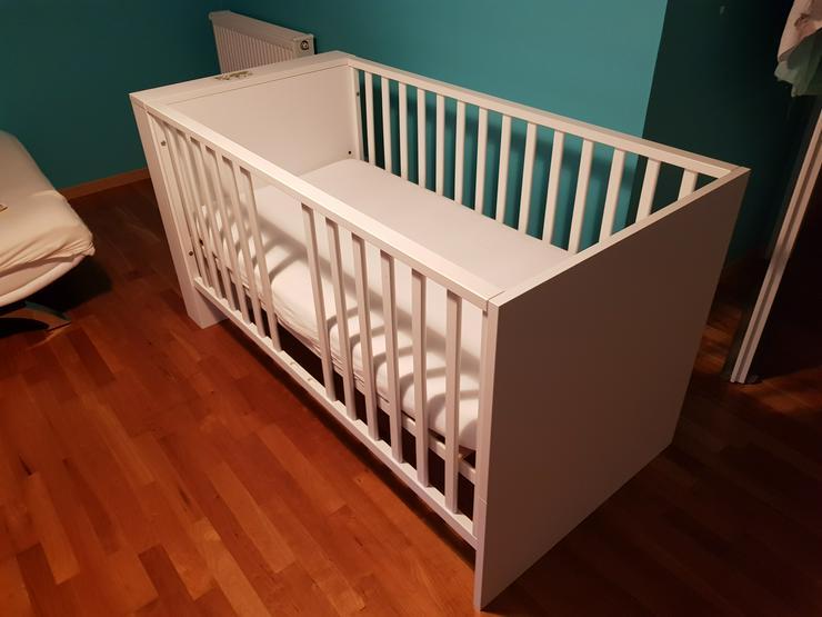Bild 2:  zwei Kinder - Betten je 175. V.B.