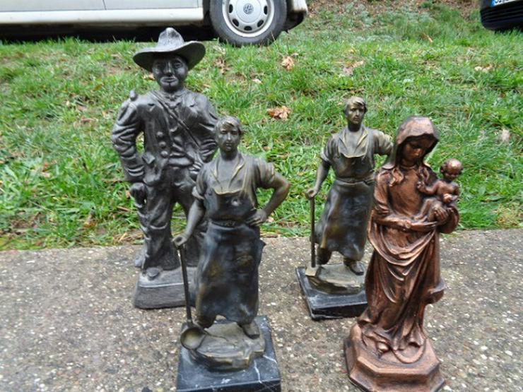 Vier wunderschöne schwere Staturen, Statuetten sehr guter Zustand