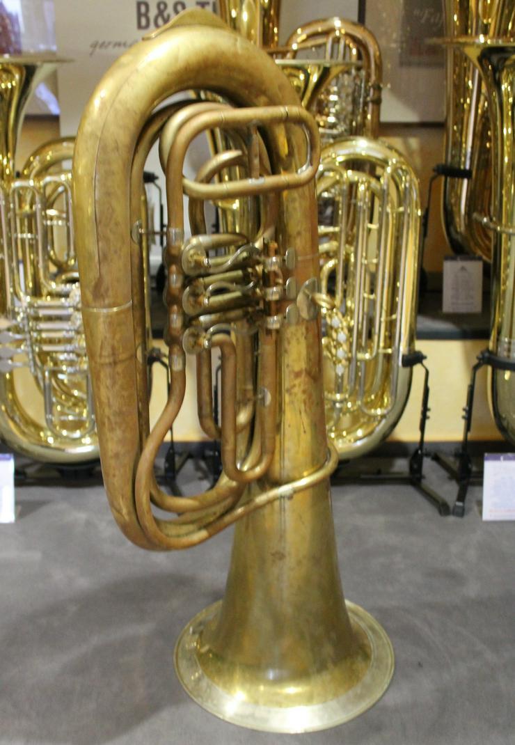 Bild 4: Deutsche B - Tuba, Aug. Clemens Glier Markneukirchen