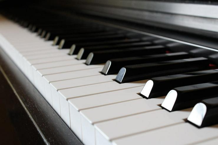 professioneller Klavierunterricht bei Ihnen zuhause Ffm, OF, HU,