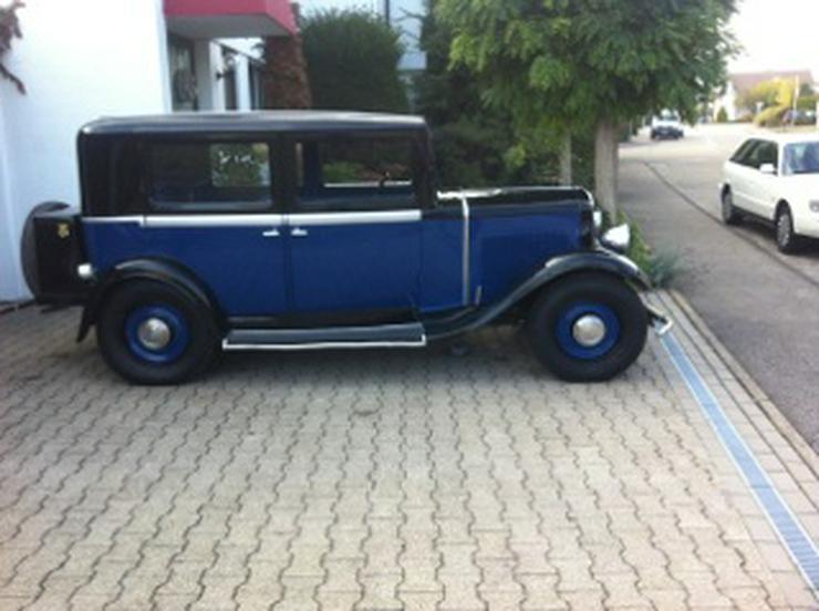 Oldtimer Renault Monaquatre - Oldtimer - Bild 1