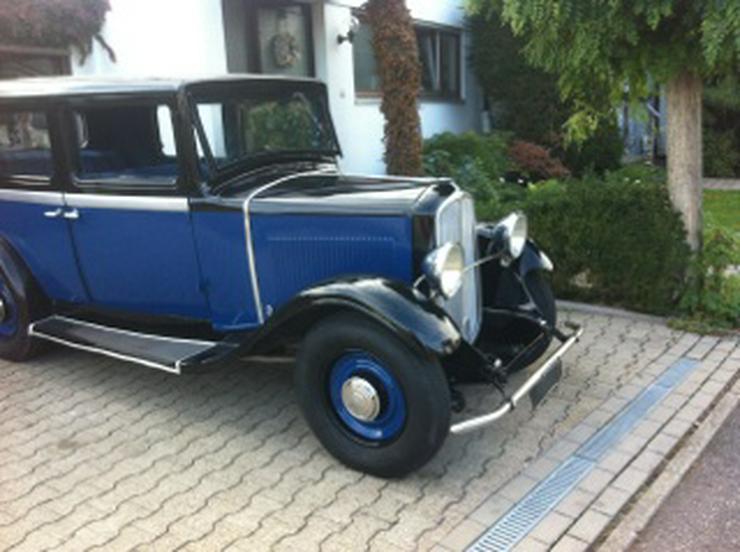 Bild 2: Oldtimer Renault Monaquatre