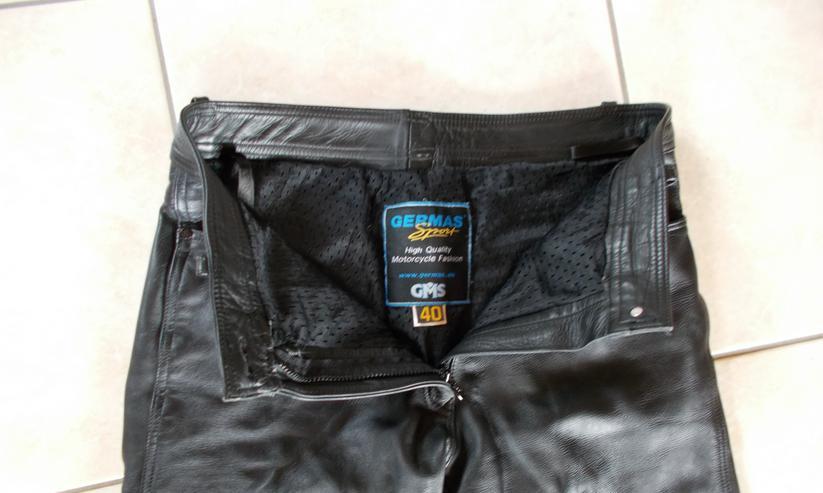 Bild 2: Lederhose in Größe 40