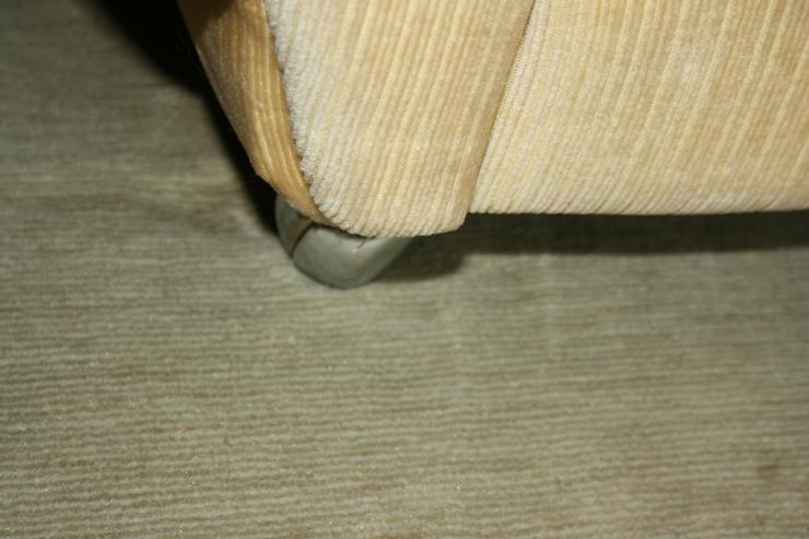 Bild 3: Polster-Sitzgruppe (4er Sofa und 2 x 1er Sessel) 70er-Jahre