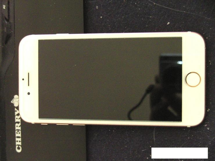 Bild 2: iPhone 6s mit 16GB Rose Gold gegen Dual Sim Smartphone