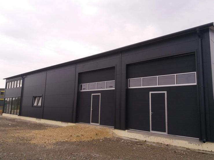 Bild 3: Stahlhalle Werkstatthalle Gewerbehalle Mehrzweckhalle mit Beurobereich 27m x 12m