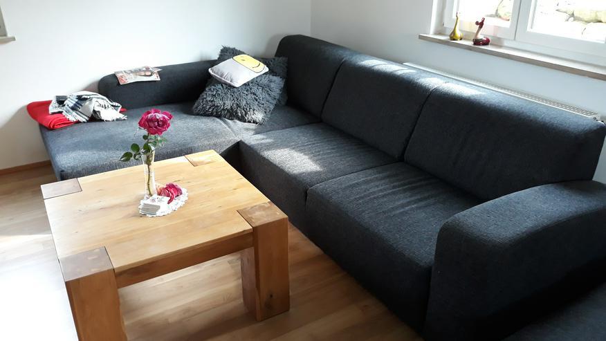 Wohnlandschaft mit Hocker und Massivholztisch  - Sofas & Sitzmöbel - Bild 1