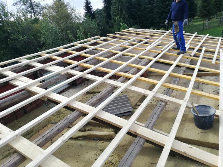 Bild 2: Bauhelfer für Hilfsarbeiten am Bau