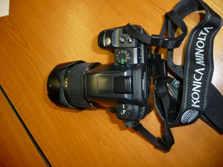 Digitale Spiegelreflexkamera Konica Minolta Dynax 5D mit Zubehör