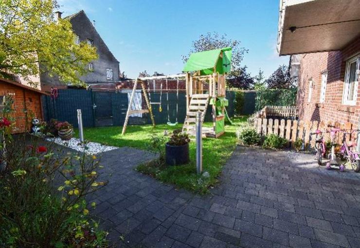 ETW 140qm mit gr. Garten und Terrasse über 2 Ebenen Sauna 5 Z.