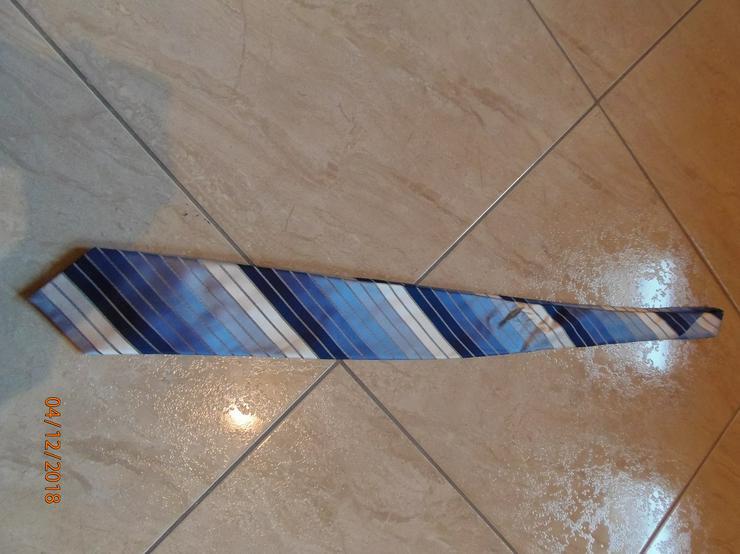 Krawatte in Blautönen