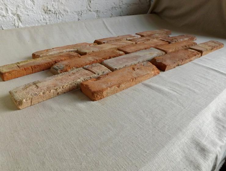 Bild 5: klassisch rote Antike Riemchen Klinkerriemchen Steinriemchen Rückbau Mauerstein ökologische klimaneutral Wandgestaltung Wandpanele rustikal