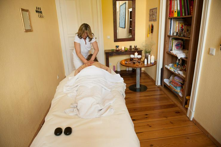Bild 2: Massagen für Ihr Wohlbefinden