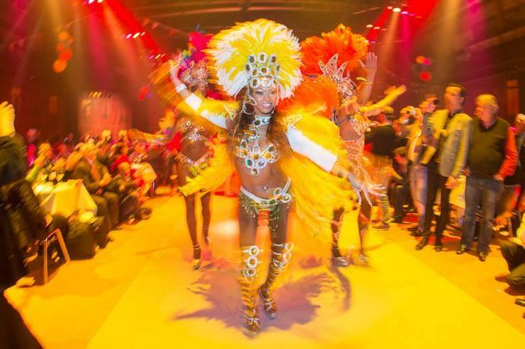 Bild 5: Samba-Show-Sambatänzerin für Hochzeits- & Geburtstagsfeier mieten