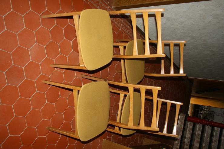 6 Stühle Esstisch (1970er-Jahre) Massivholz senffarbener Bezug
